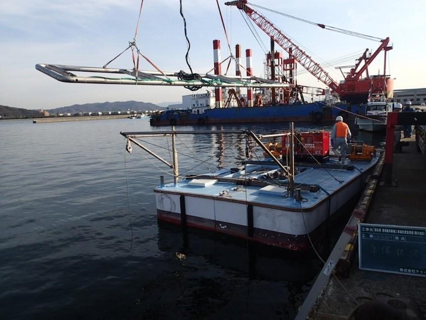 磁気探査台船